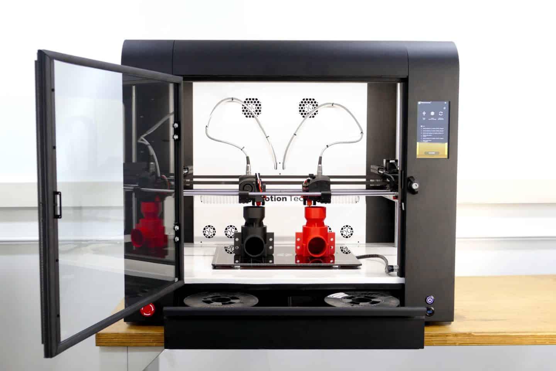 Strateo 3D IDEX420 3D printer finishing a dual print